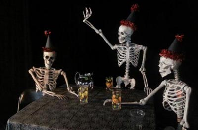 Name:  skeleton party.jpg Views: 78 Size:  29.3 KB
