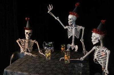 Name:  skeleton party.jpg Views: 76 Size:  29.3 KB